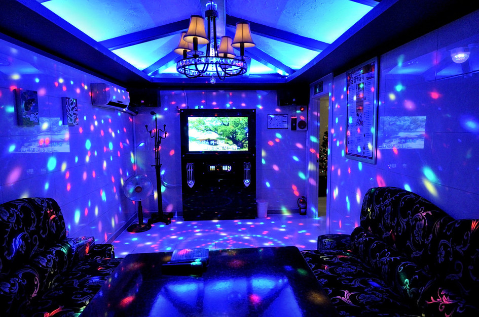 Sing Your Heart Out In Noraebangs Korean Karaoke Rooms